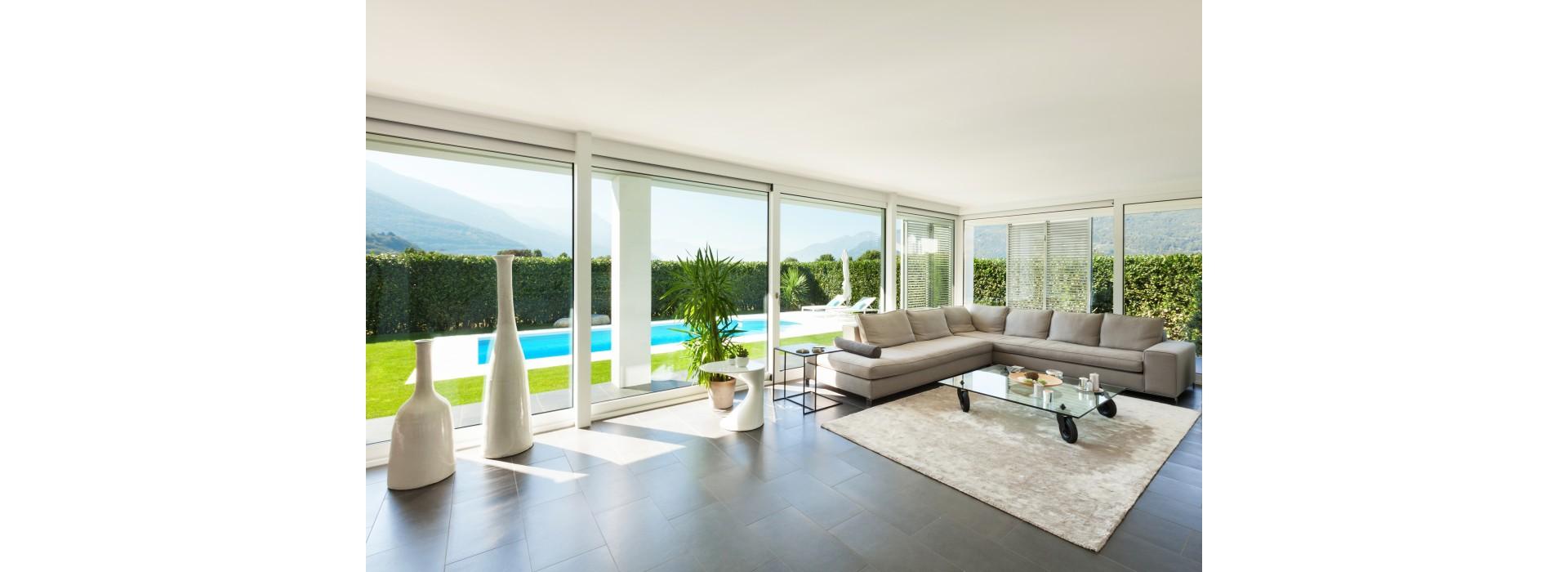 57524039-luxury-home-pool-1024x700.jpg